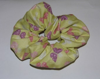 Hair ruffle / scrunchie yellow with butterflies