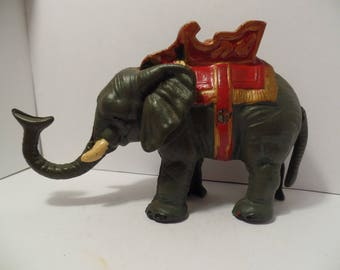 VINTAGE Cast Iron Elephant Coin Bank (WORKS!!)