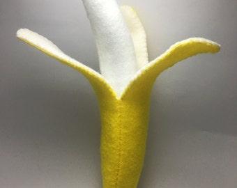 Felt banana with removable peeling