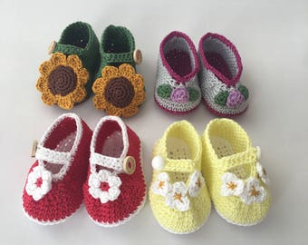 Crochet sweet booties for little princess