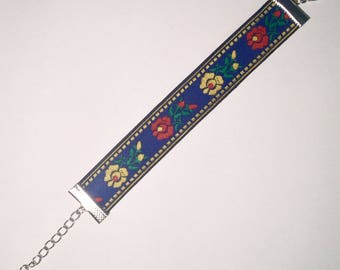 Blue handmade embroidered floral folk bracelet