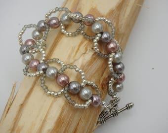 Glass beaded bracelet - twist bracelet - toggle clasp