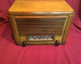 1946 Astra tube radio