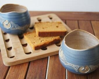 Mug stoneware, ceramic, engobée blue, enamelled