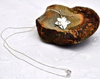 Sterling Silver Handcrafted Ivy Necklace.