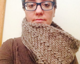 Knitted icelandic wool cowl