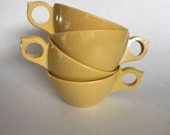 Yellow Melamine Mugs | Plastic Tea Cups | Plastic Coffee Mugs | Vintage Diner Mugs | Set of Four