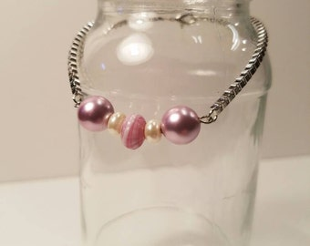 Bracelet with soft pink beads, beaded bracelet, pink beads, pink bracelet