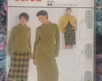 Burda 8765 sewing pattern for ladies pencil skirt in 3 lengths