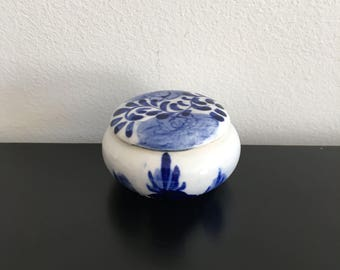 Vintage, Blue And White, Round Ceramic Trinket Box,Hand Painted, Delft,Chinese Decor, Keepsake Box, Home Decor, Porcelain,Hand Painted,Asian
