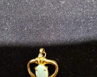 14kt gold pendant opal 7x5 (1pc)