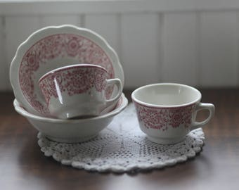 Set of Two Red Detailed Tea Cups and Bowls