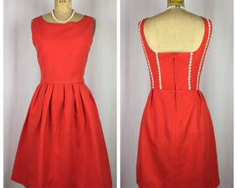Vintage Rockabilly Pin-up Red Dapper Day Swing Dress With White Daisy Detailing.