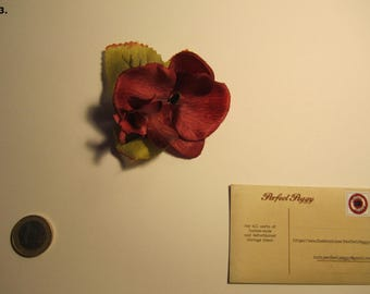 Red Flower Hairclip (no3)