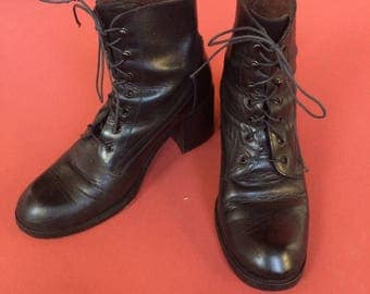 Vintage black Guess lace up boots