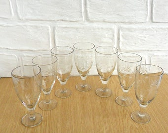 Glasses for wine Set of 7 wine glasses Old shot glasses USSR vintage shot glass set Soviet vintage Old russian tableware Vintage shot glass