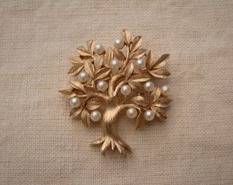 "1950 Vintage Trifari ""Tree Of Life"" Brooch Pin  Gold Tone ~ Signed"