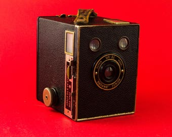 Kodak Six-20 Brownie Junior / 1934 Vintage Brownie Camera