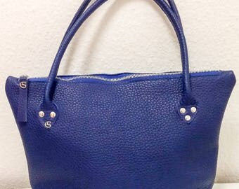 Leather handle bag in Royal Blue