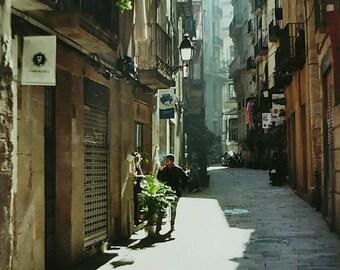 Street scene, Barcelona. Vintage-Frame.
