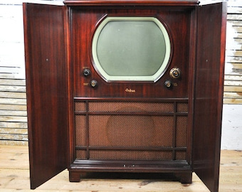 Beautiful Rare Antique Andrea C-VL16 Brown Wooden Armoire Television / Radio - Please convo us for shipping quotes; Shipping is not Free