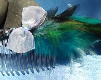 Feathered Hair Comb turquoise/aqua