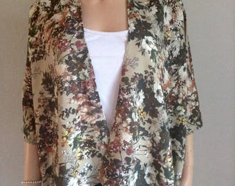 Flowing kimono 38/40/42/44/46/48 printed floral and foliage