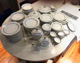 China Porcelain Dinnerware Set Of 108 Pieces