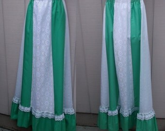 Vintage Green and White Patchwork Hippie Midi Maxi Skirt by Tumbleweeds / Sz Med - Lge