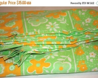 ON SALE Vintage Double Size Green and Orange Floral Bed Sheet, Reclaimed Bed Sheet, Double Size Sheet, Vintage Sheet, Sheet For Fabric