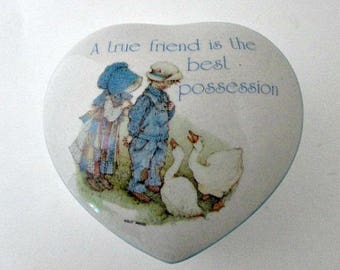 1968 Holly Hobbie Vintage Heart Trinket Treasure Memory Box - Holly and Robby Collectible Gift - A true friend is the best possession