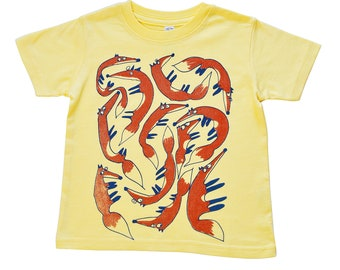 A Leash of Foxes Yellow Kids' T-Shirt