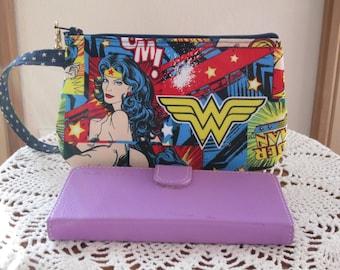 Clutch Wristlet Zipper Gadget Purse Pouch Wonder Woman