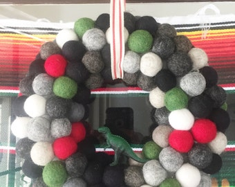 "10"" diameter Felt Ball Wreath with Dinosaur"