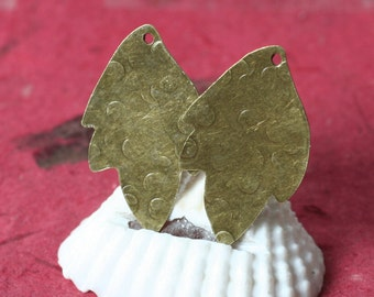 Hand hammered antique brass leaf drop dangle size 30x19mm, 2 pcs (item ID XW03432ABP)