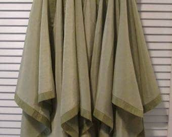 Eight Vintage Napkins and Matching Placemats - Soft Olive Green Table Linens - Spring/ Summer Dining