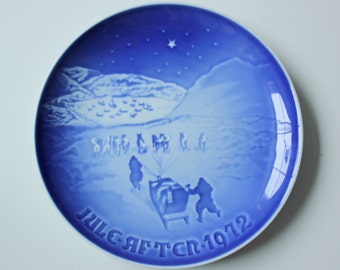 Christmas in Greenland - Royal Copenhagen blue and white Commemorative Christmas plate - 1972 Denmark Christmas