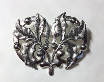 Holly leaf and Berry brooch / pin Art nouveau style silver plated vintage Christmas brooch