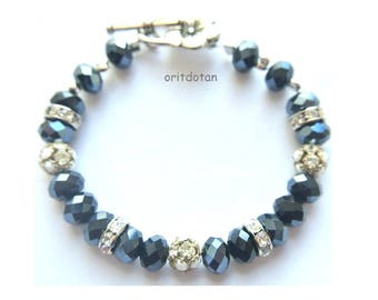 Bracelet made of ANTIQUE VINTAGE swarovski ball, rondelle beads and new glass beads