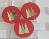 "Little Glitter Christmas Trees 1.5"" Scallop Sticker Set or Envelope Seal Stickers,Red"