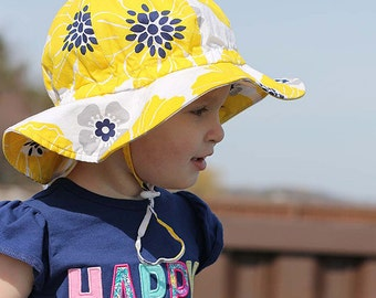Kids Sun Hat with Chin Strap, Drawstring Adjust Head Size, Breathable 50+ UPF (Yellow Flower)