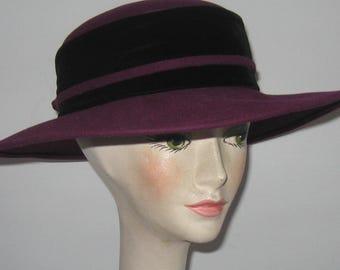 aubergine felt hat . purple felt hat . wide rimmed hat . velvet hatband . size small