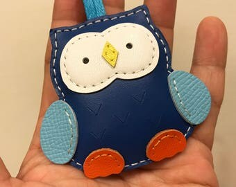 Small size - Fanny the Owl cowhide leather charm ( Dark blue )