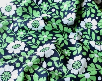 4282 - Green Floral Cotton Fabric - 59 Inch (Width) x 1/2 Yard (Length)