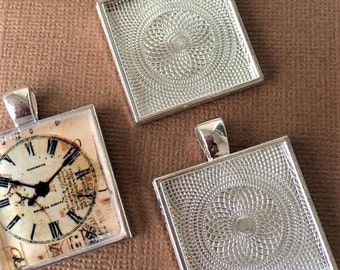 25  Square Pendants Trays Bezels 1 inch Shiny  Silver Plated 25 mm STURDY Settings Glass Tile Pendants