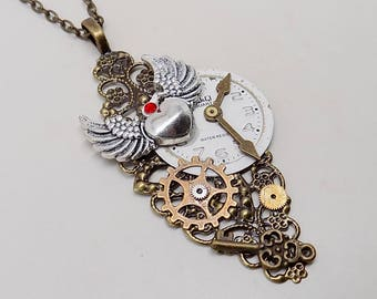 Steampunk jewelry. Steampunk pendant necklace.