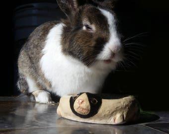 Dutch Rabbit Shaped Rabbit Food Bowl