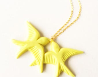 Clearance Sale Neon yellow vintage plastic swallow love birds gold necklace