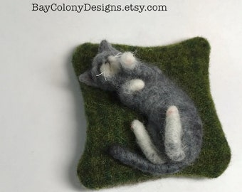 Pincushion with Needle Felted Grey Kitty Cat Sculpture - READY TO SHIP (12916)