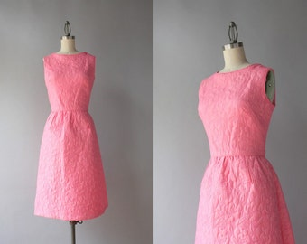 1960s Dress / Vintage 60s Pink Sleeveless Bell Skirt Dress / Sixties Bubble Gum Pink Dress with Pockets small S
